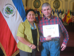 trots uitreiking Aflatoun-diploma StartUp4Kids Guatemala